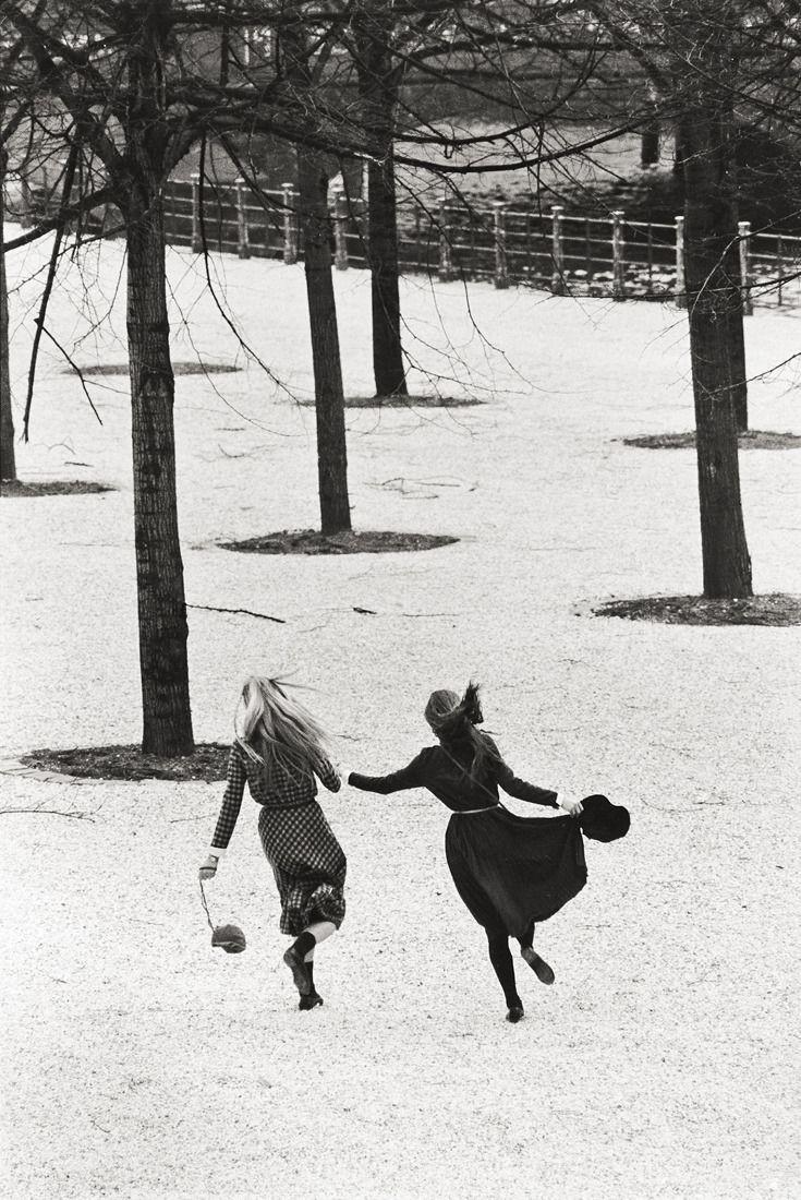 Аннет и Ангела, Берлин, 1982. Фотограф Сибилла Бергеман