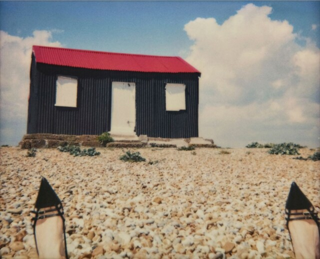 Приземлилась, 2005. Фотограф Эмма Саммертон