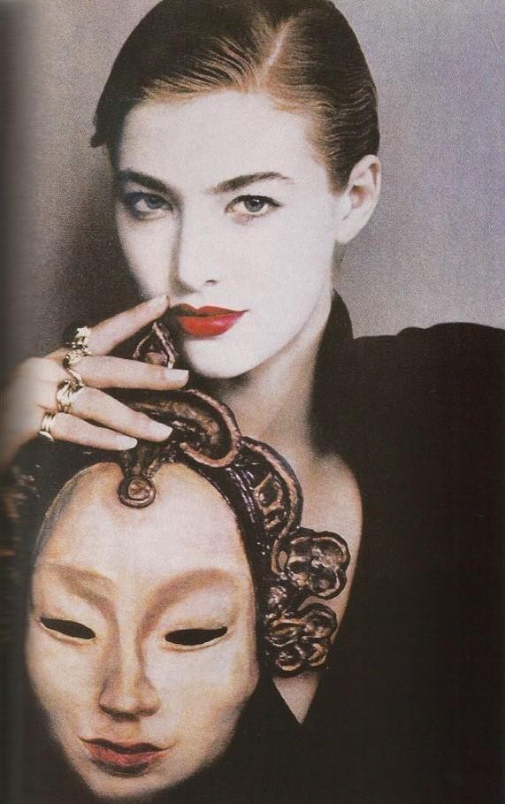 Реклама духов Raffinee. 1989 год. Фотограф Шейла Мецнер