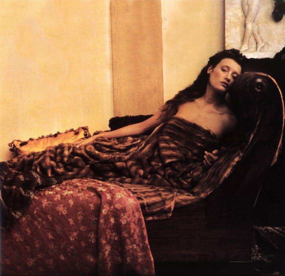 Мари-Софи Уилсон для Fendi.1989 год. Фотограф Шейла Мецнер