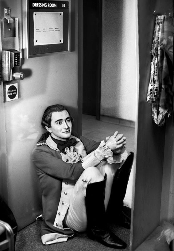 Дэвид Теннант в пьесе «Соперники» Ричарда Шеридана. Королевская Шекспировская труппа. 2001 год. Фотограф Саймон Аннанд