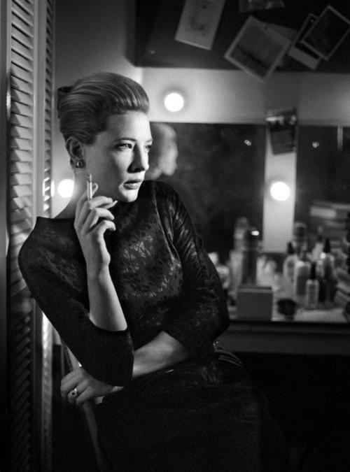 Фотография Кейт Бланшетт, которая стала обложкой книги «The Half». Фотограф Саймон Аннанд