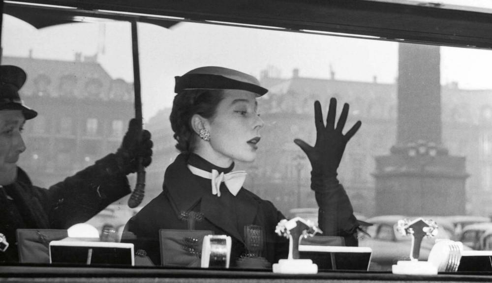 Французская топ-модель Беттина. Париж, 1953 год. Фотограф Жан-Филипп Шарбонье
