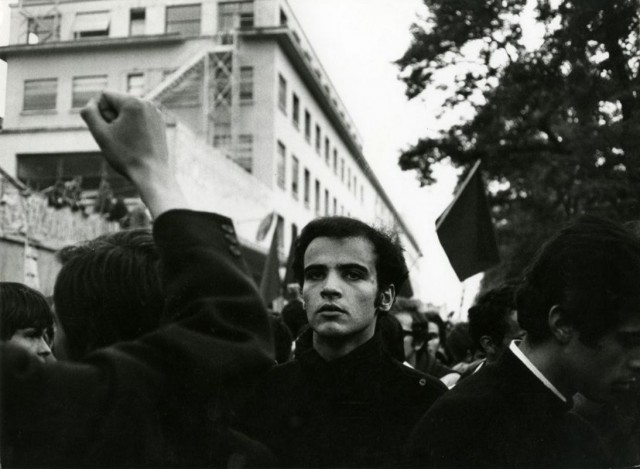 «Париж, май 68-го», Перед заводом «Ситроен». Фотограф Жан-Филипп Шарбонье