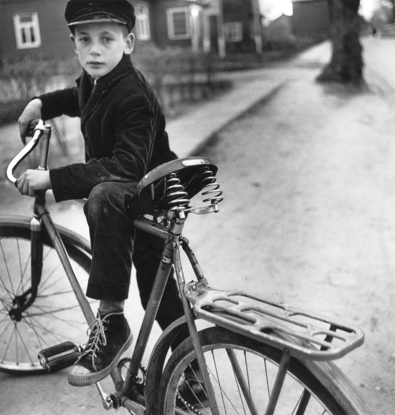 Отцовский велосипед, 1969. Фотограф Антанас Суткус