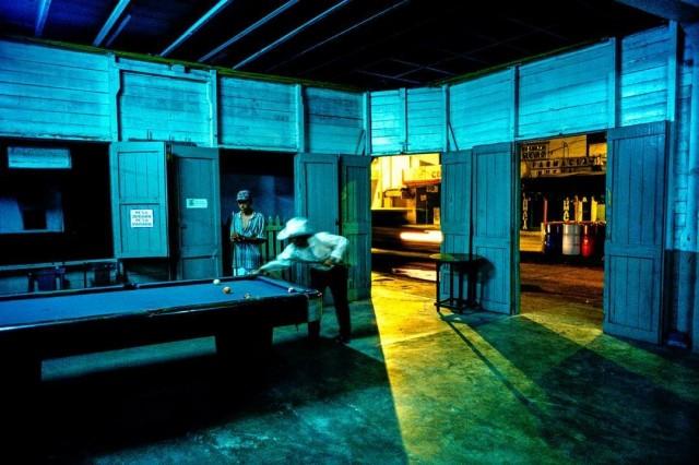 Популярный бильярдный зал, где каждый вечер выступают музыканты мариачи. Город Ла-Сейба, Гондурас. Фотограф Паскаль Мэтр