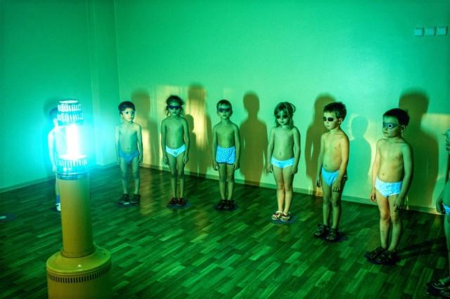 Искусственный ультрафиолет в детском саду, Норильск. Фотограф Паскаль Мэтр