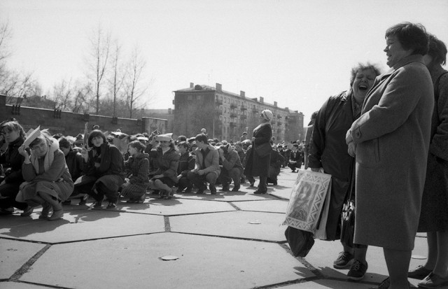 Репетиция. Бульвар Героев, Новокузнецк, 1987. Фотограф Александр Бобкин