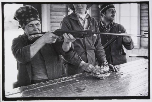 Бригада маляров на обеденном перерыве, 1983. Фотограф Владимир Соколаев