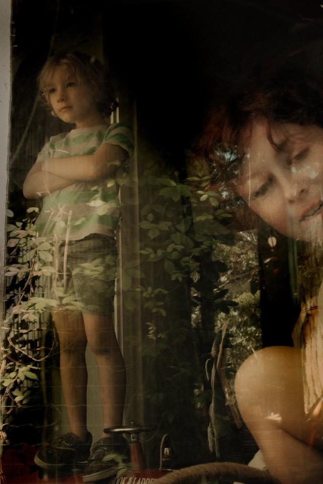 Серия «За стеклом». Фотограф Лиза Соргини