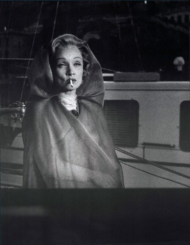 Марлен Дитрих на яхте, Монте-Карло, 1956. Фотограф Марио Де Бьязи