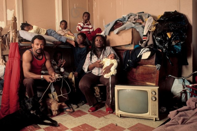 Семья, Бруклин, 1983 год. Фотограф Томас Хёпкер