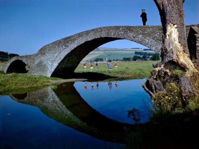 Каменный мост, Шотландия. Фотограф Б. Энтони Стюарт