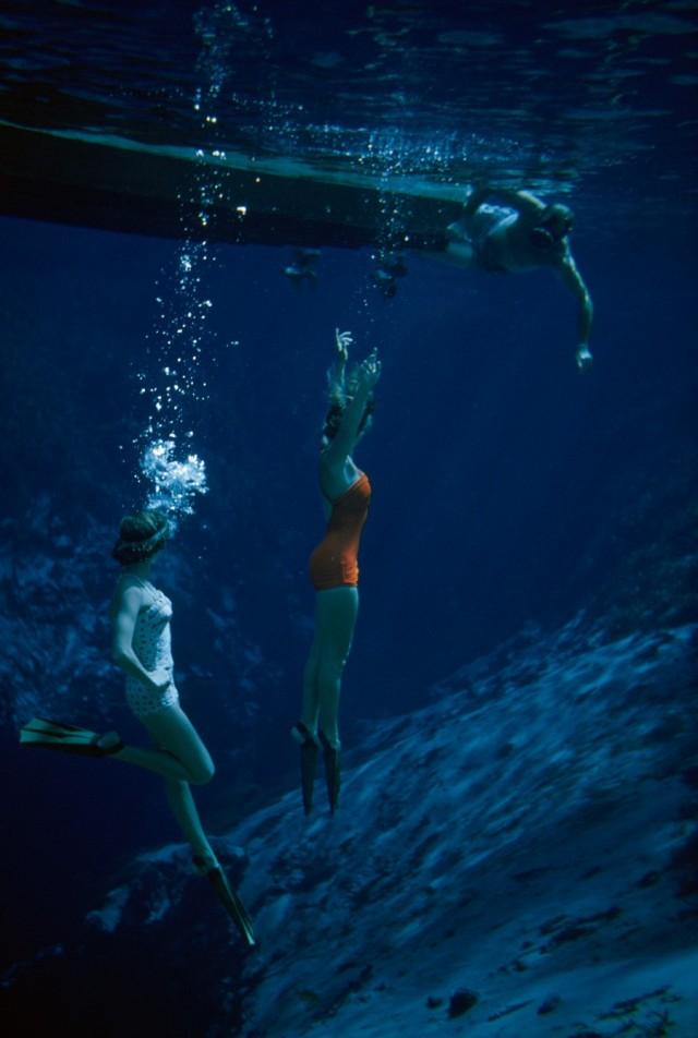 Под водой, Флорида, 1955. Фотограф Бейтс Литтлхейлс