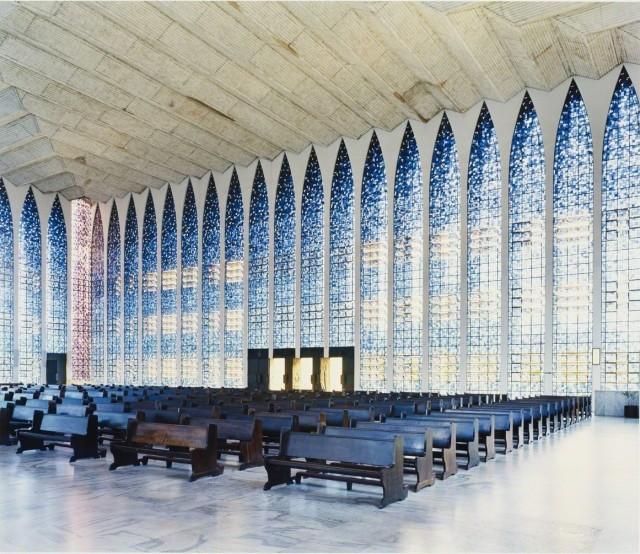 Церковь в Бразилии, посвящённая покровителю города Иоанну (Джованни) Боско, 2005. Фотограф Кандида Хёфер