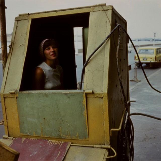 Девушка, Ленинград, 1981 год. Фотограф Борис Савельев