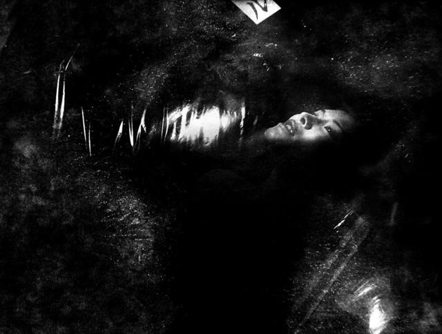Из фотокниги «S», 3. Автор фото Токио Румандо