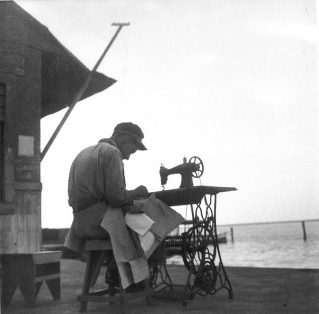 Шитьё, 1930-е. Фотограф Лола Альварес Браво