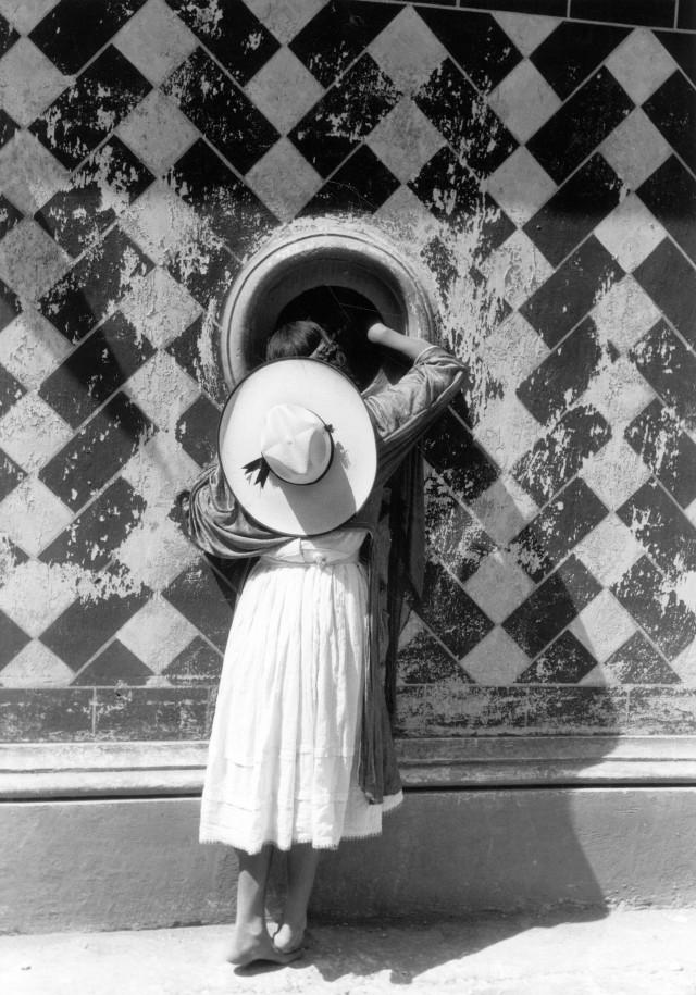 Дочь танцоров, 1933. Фотограф Мануэль Альварес Браво