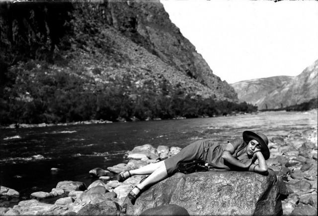 Горная река Вильканота, 1927. Фотограф Мартин Чамби