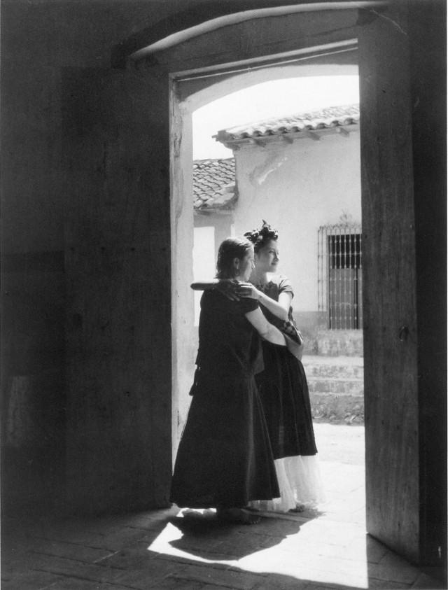Визит. Мехико, 1934. Фотограф Лола Альварес Браво