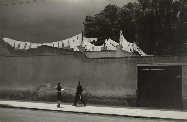 «Мир тесен», 1942. Фотограф Мануэль Альварес Браво