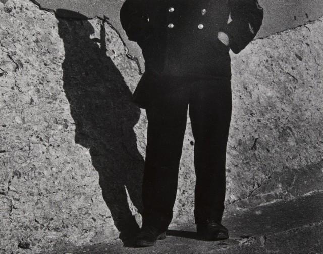Человек и тень, 1991. Фотограф Виктор Каленик