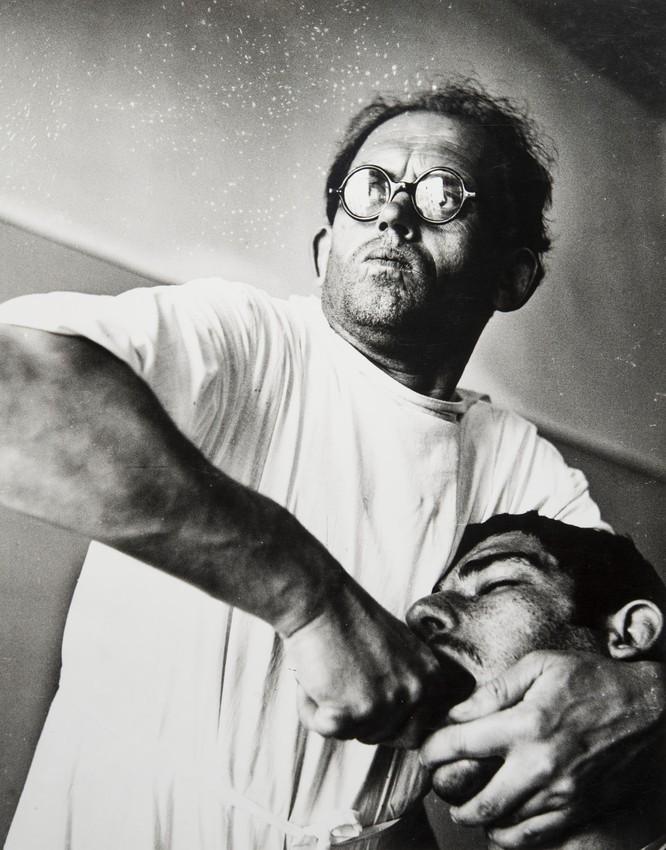 Стоматолог, 1966. Фотограф Виктор Бутра