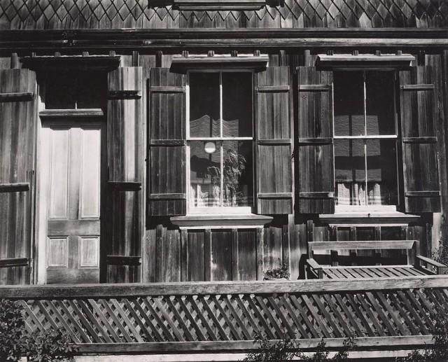 Фасад, 1930-е. Фотограф Соня Носковяк
