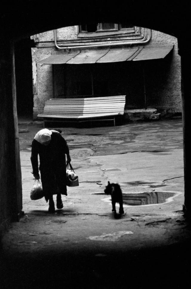 Старушка, ок. 1988. Фотограф Александр Китаев