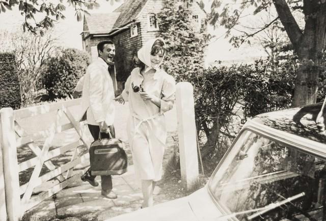Вики Стривенс с моделью Бобом Смитом для Queens Magazine. Норман Паркинсон