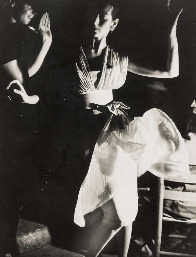 Кармен Делль'Орефиче, танцы на Багамах. Норман Паркинсон