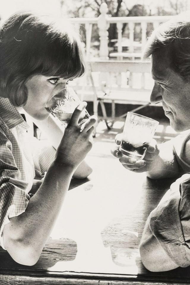 Мартини в отеле Swan, 1964. Норман Паркинсон