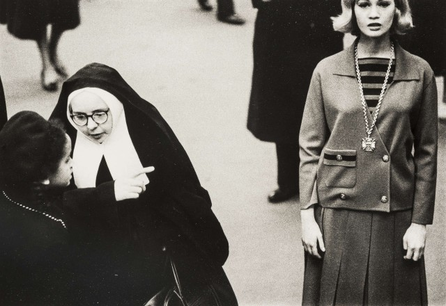 Селия Хаммонд и монахиня, 1963. Норман Паркинсон