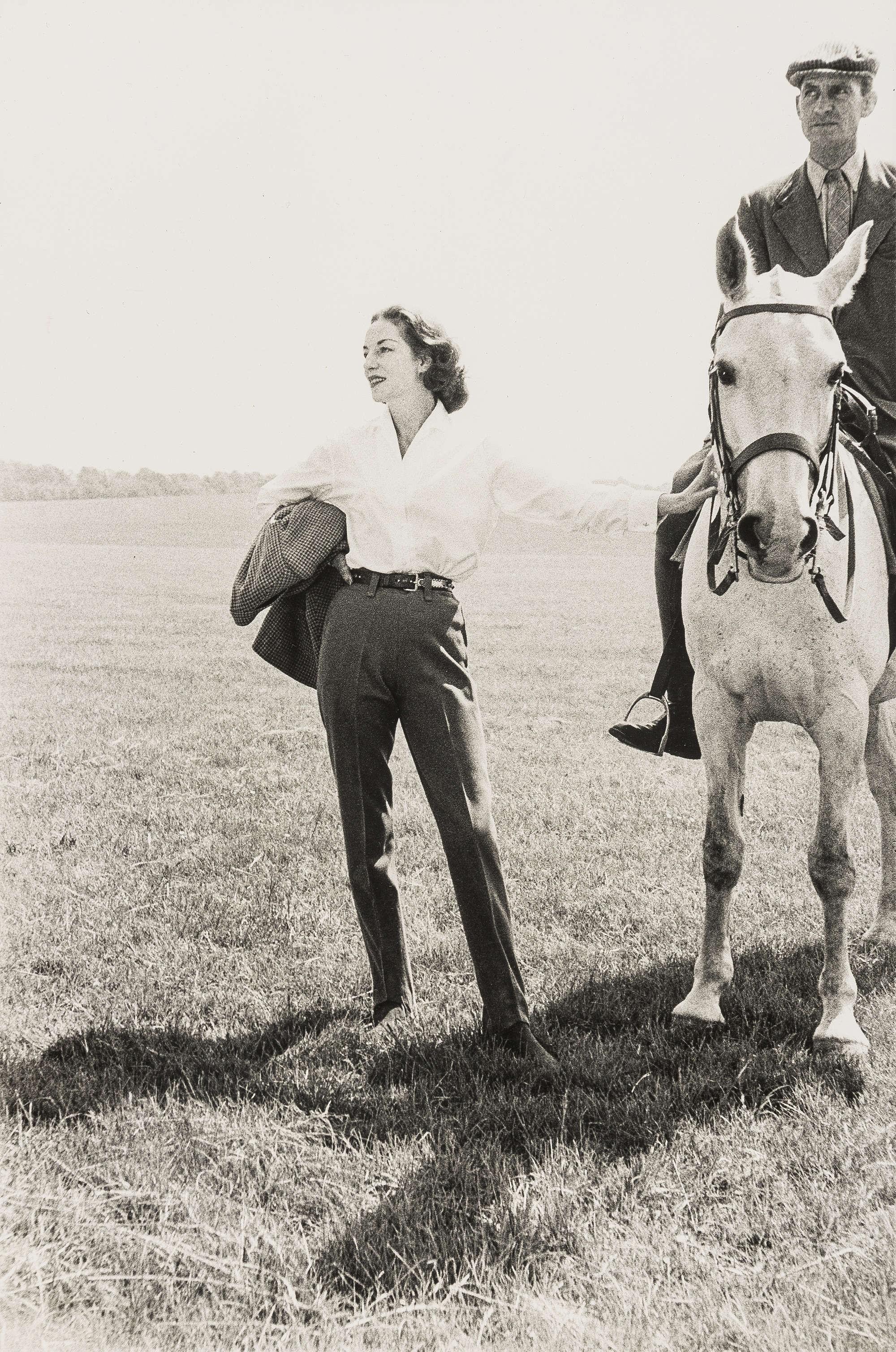 Тренер королевы на лошади и его жена. Норман Паркинсон