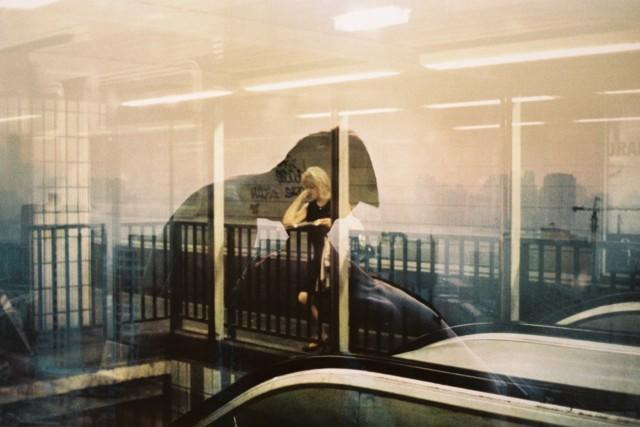 Женщина с сигаретой, 1998 год. Фотограф Долорес Марат