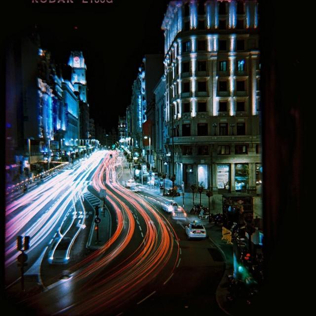 Ночной Мадрид. Фотограф Susie Lomovitz