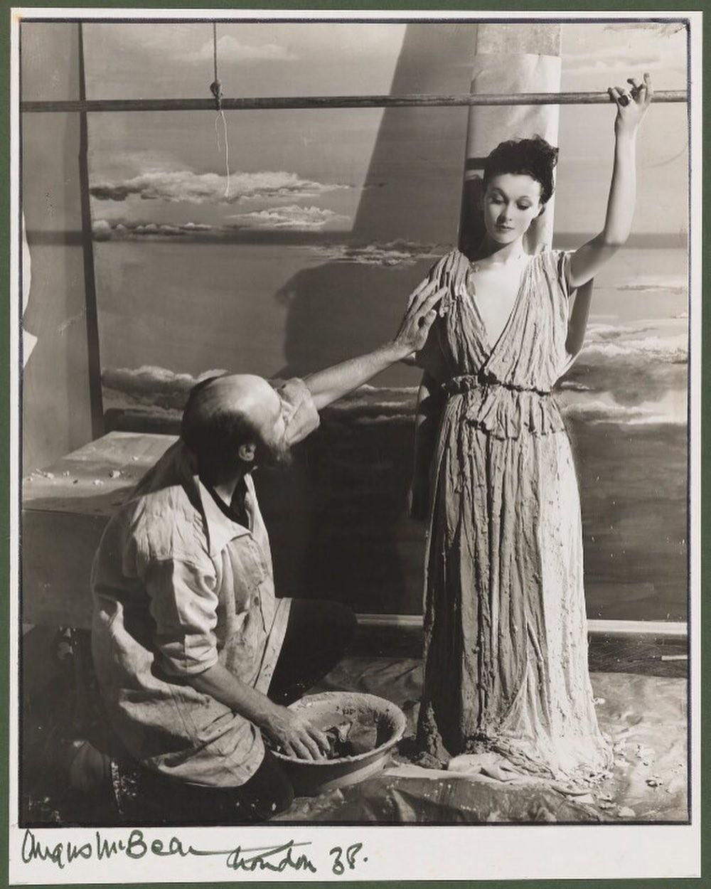 Вивьен Ли, 1938. Ангус МакБин