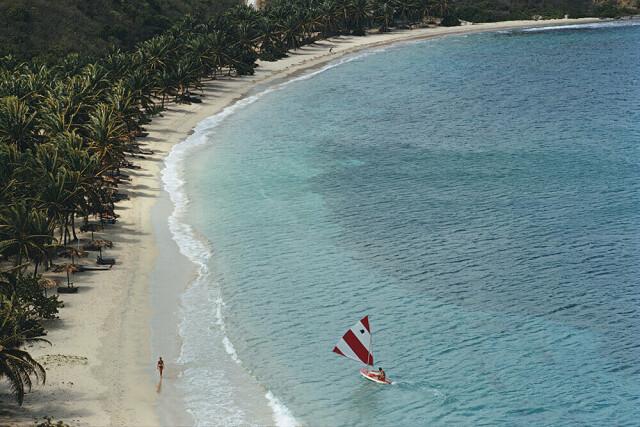 Подковообразный пляж, Багамы, 1973. Фотограф Слим Ааронс