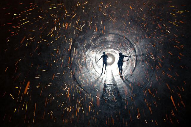 Светлячок, 2012 год. Фотограф Райан МакГинли