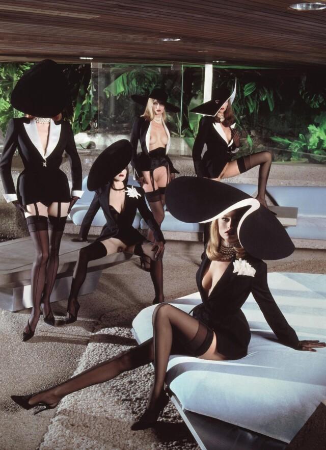 «Sex Couture». Ребекка Смит, Адриана Скленарикова, Ребекка Чейни и другие, январь 1999 года. Фотограф Тьери Мюглер