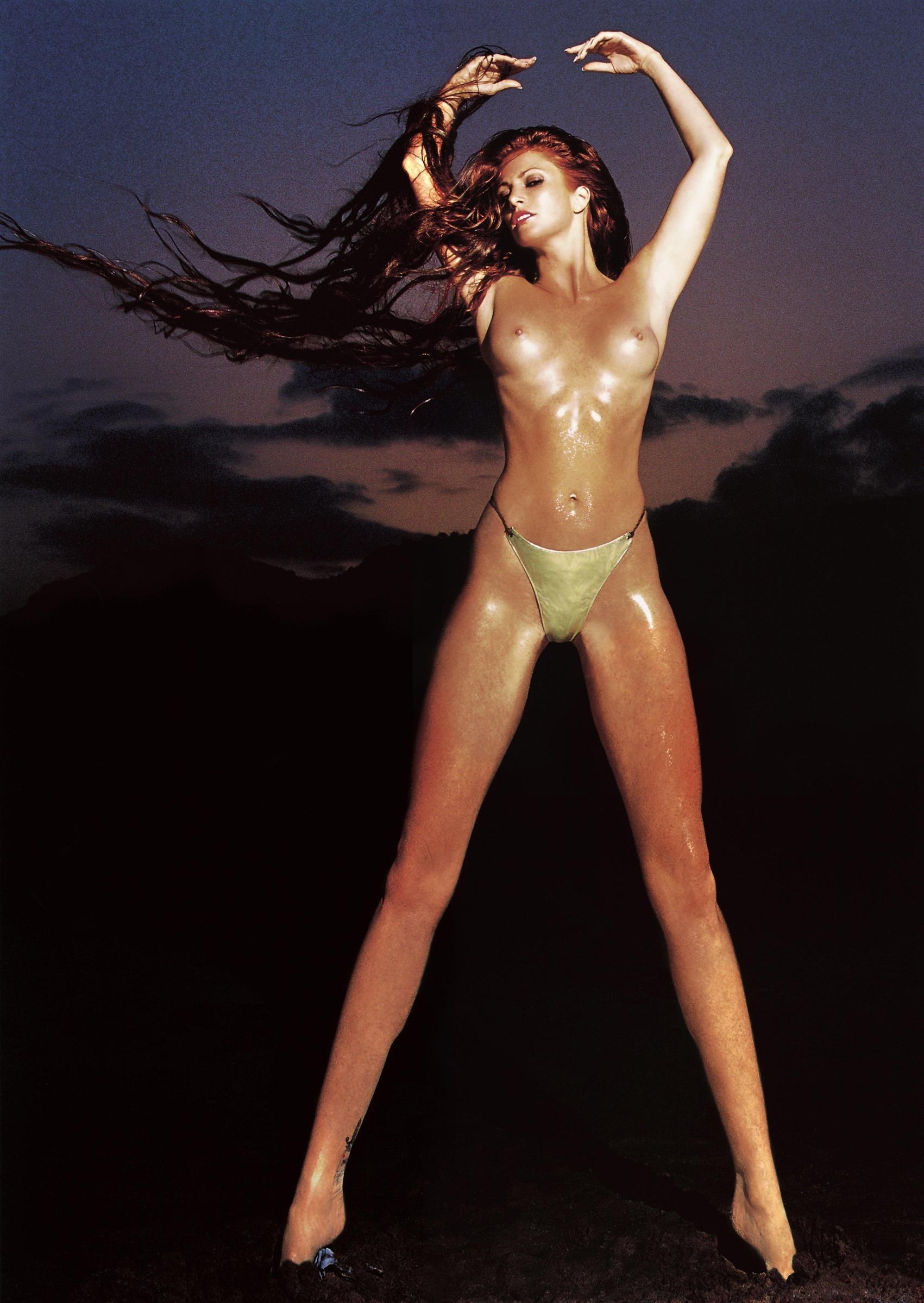 Энджи Эверхарт, февраль 2002 года. Фотограф Марко Главиано