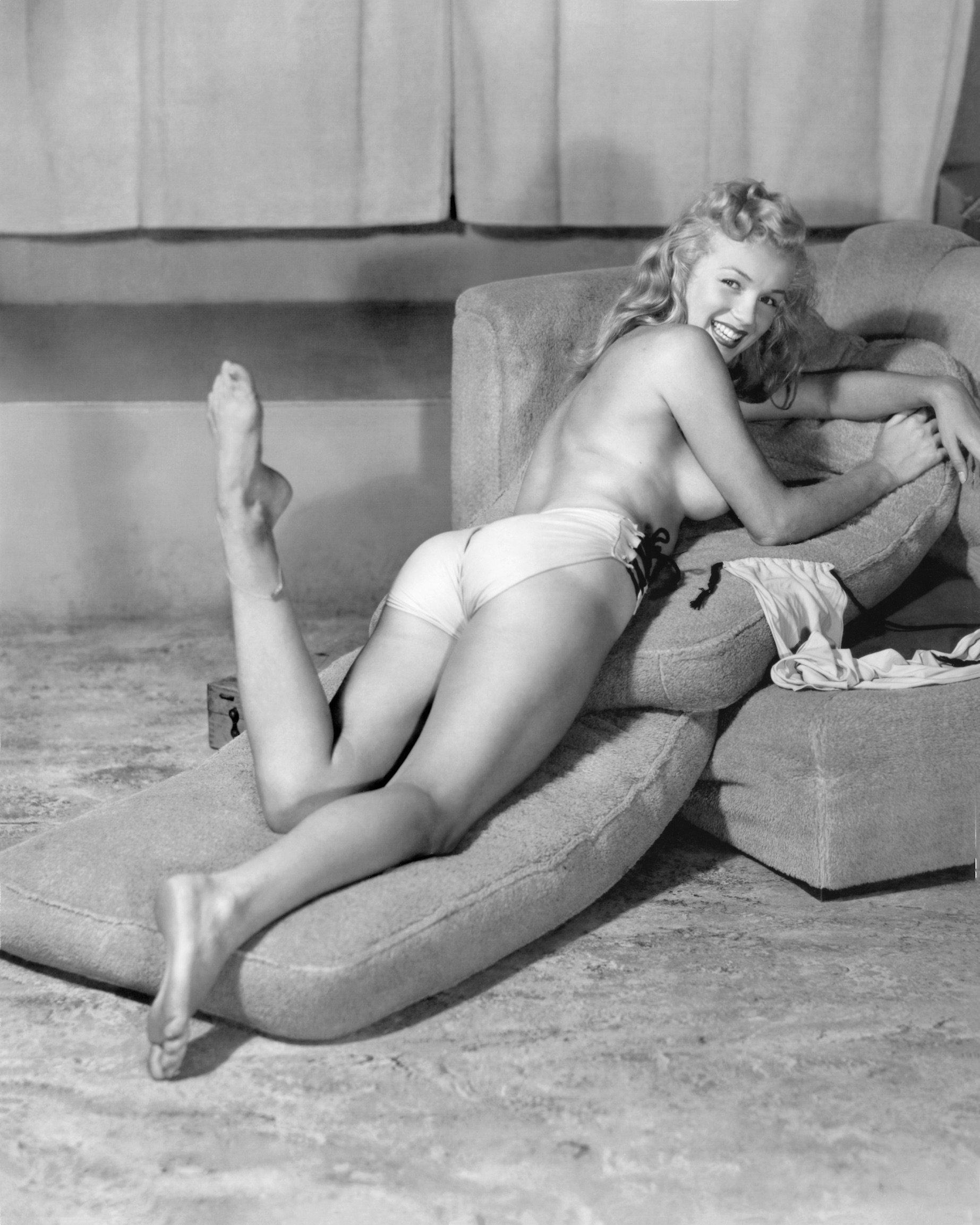 «Обнажённая Мэрилин», январь 1987 года (снято в 1946 году). Фотограф Эрл Моран