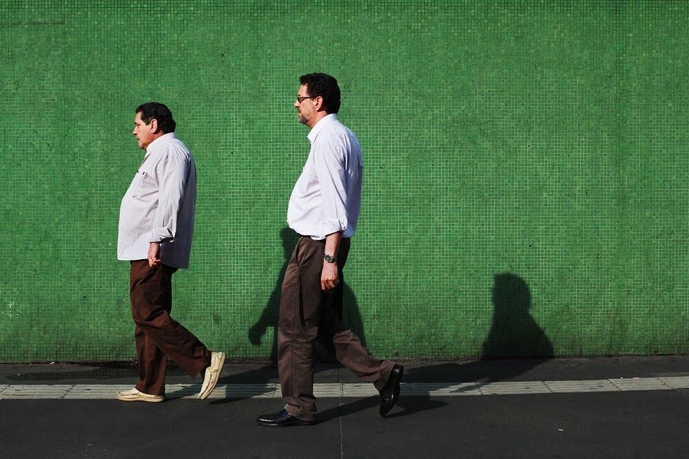 Офисные работники на самой деловой и оживлённой улице в Сан-Паулу, Бразилия. Фотограф Мария Плотникова