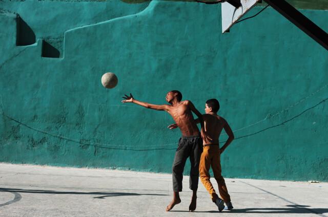 Баскетбол в Старой Гаване, Куба. Фотограф Мария Плотникова