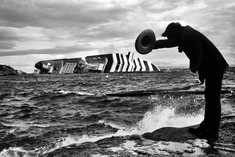 Поклон, 2012. Фотограф Пьеро Марсили Либелли