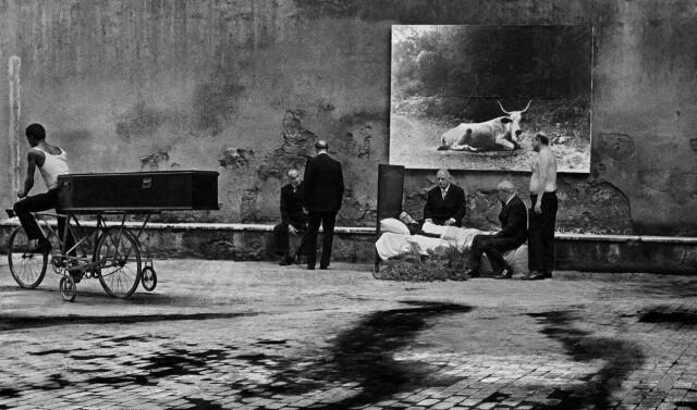 Похороны. Фотограф Пьеро Марсили Либелли