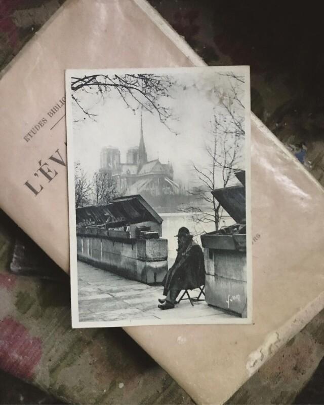 Находки в старом доме. Фото парижского букиниста. Фотопроект Киммо Пархиала и Тани Палмунен «Заброшенная Скандинавия»