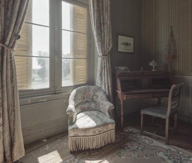 Владельцы оставили входную дверь открытой 30 лет назад. Фотопроект Киммо Пархиала и Тани Палмунен «Заброшенная Скандинавия»