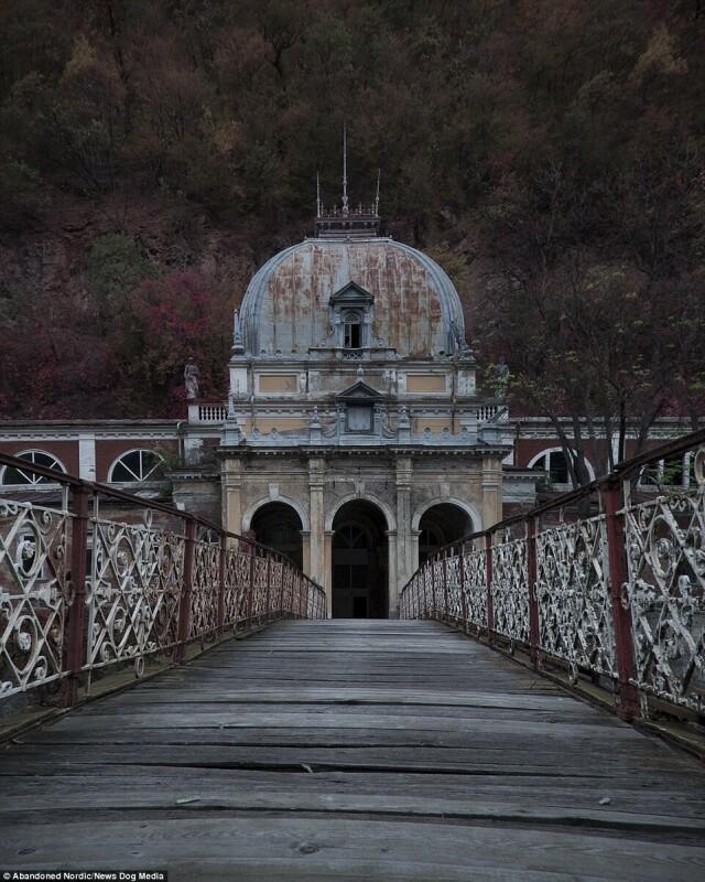 Императорские бани в Румынии. Фотопроект Киммо Пархиала и Тани Палмунен «Заброшенная Скандинавия»
